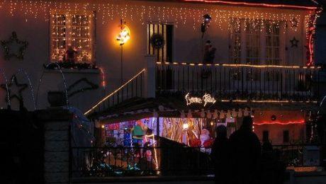 Une maison bien décorée pour Noël