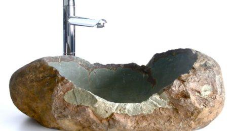 Un lavabo en pierre