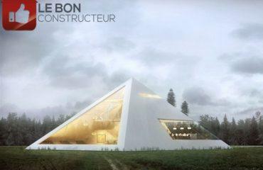 maison pyramide toit pointu